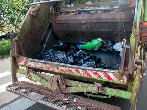 Kamion za odvoz smeća