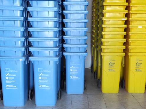 Ilustrativna fotografija različitih spremnika za otpad